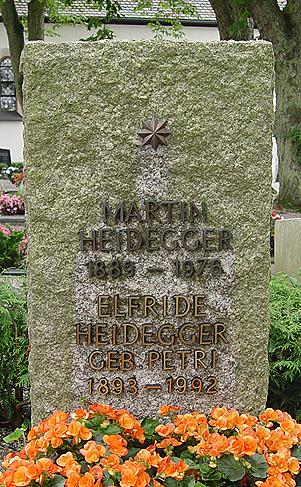 heiddegger tombe.1214150173